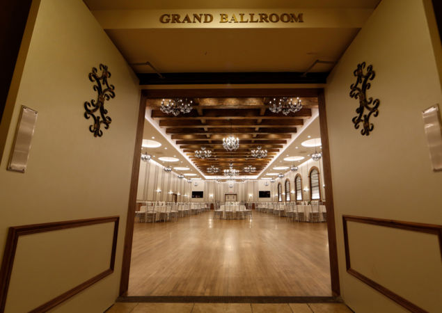 Grand-Ballroom-banquet-entrance